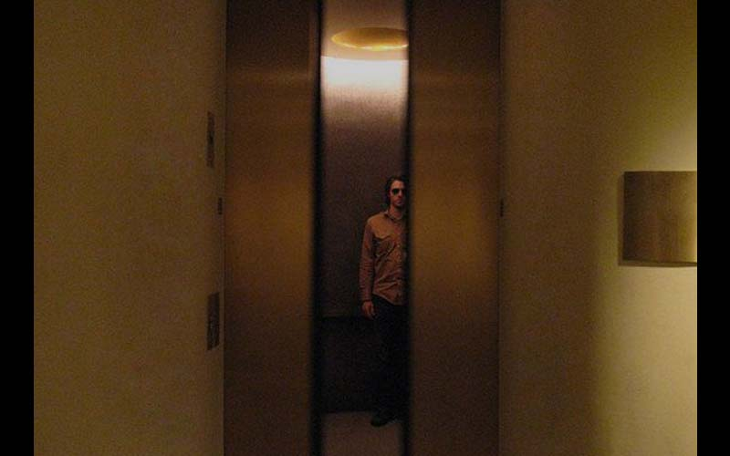「世界上最危險的遊戲」利用電梯讓你找到另一個世界....!千萬別輕易嘗試,後果自負!  -