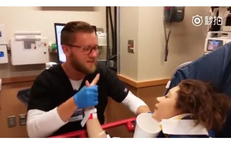 女孩被麻醉後「1秒愛上男護理師」還求婚!他全程「緊握著手溫柔安撫」網友讚爆:暖男!