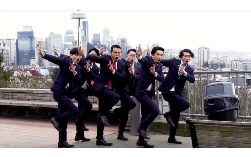 日本大叔「慢動作舞蹈」超吸睛!學機器人跳舞「超魔性千手觀音」讓大家都看上隱
