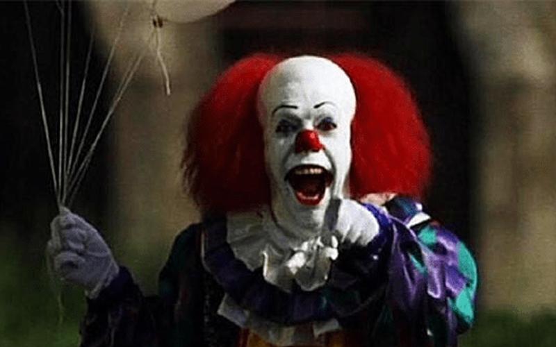 美國令人聞風喪膽的恐怖小丑奪命事件...背後真相遭起底竟和一名學生有關?!