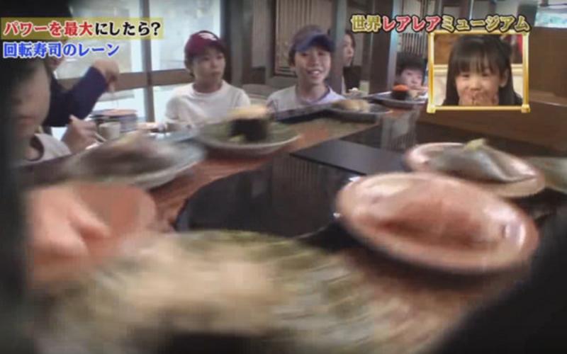 「超高速迴轉壽司」客人看傻眼:根本吃不到!日本整人節目結論「超隨便」快笑死XD