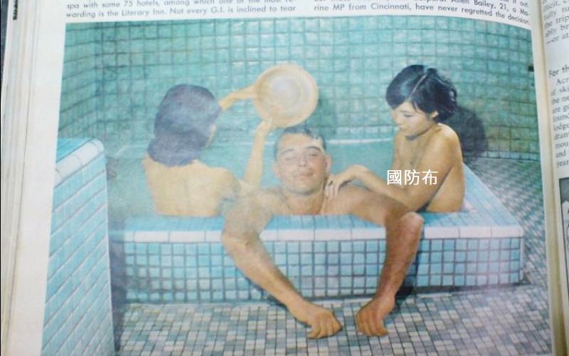 50年前《時代雜誌》這張「共浴照」觸怒蔣中正,照片背後正是課本從不敢提的一段「精援」歷史!