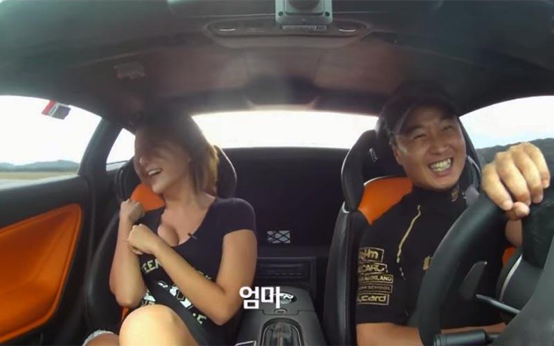 韓國女模坐跑車「體驗高速漂移」接著的畫面卻和我想的不太一樣…找不到影片的焦點啊XD