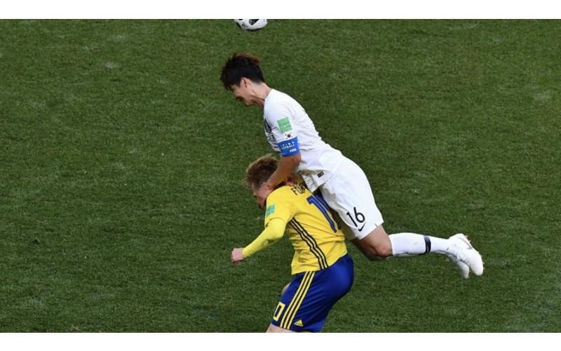 世界最髒球隊?韓國禁區犯規終被VAR發現,頻頻使出各種小動作還直接踢人(影)