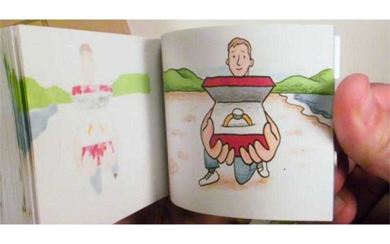 男友拿出這本親自訂做手翻書 女友翻開「最後一頁浪漫大驚喜」感動回應:「我願意❤」