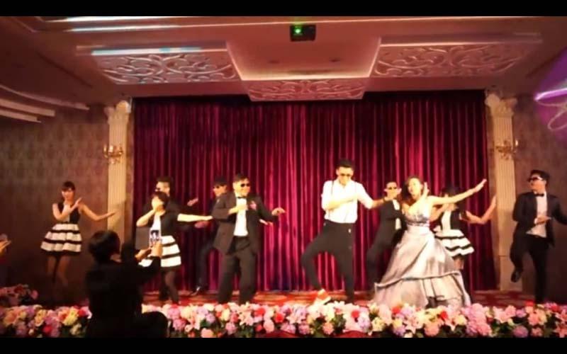 婚禮上,公婆也加入一起跟新人熱舞表演!網友:第一次看到爸媽一起嗨,太酷了!